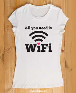 playera mujer all I need is wifi