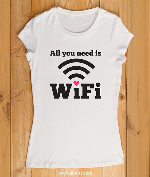 playera mujer all I need is wifi