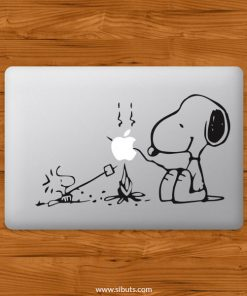 Sticker Calcomanía laptop macbook snoopy fogata